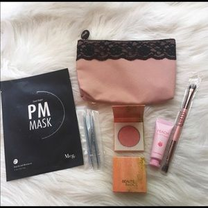 ipsy Makeup - Ipsy Travel Makeup & Beauty Essentials Glambag